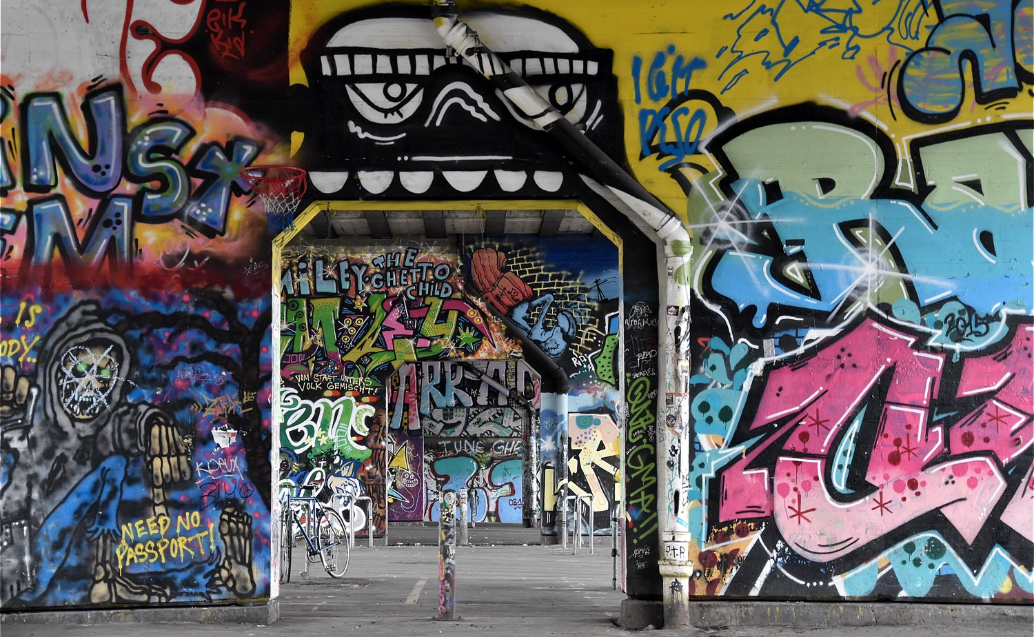 is graffiti an art or vandalism For and against graffiti  graffiti aren't in museums or art galleries that's why they aren't art  the graffiti can be vandalism for some people,.