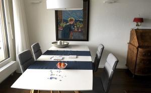 08 dinning room